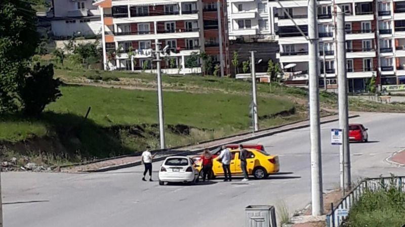 Cadde üzerinde sık sık kaza oluyor