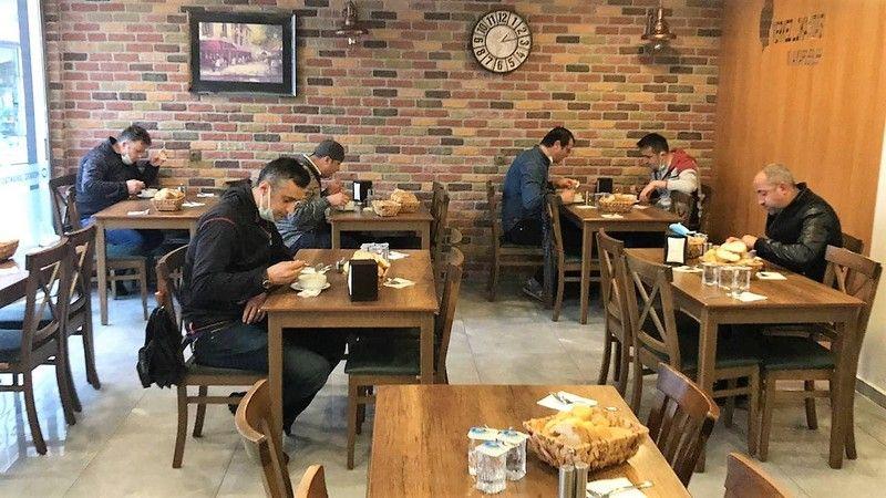 Kocaeli'de yeme içme yerleri açıldı