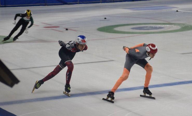 Buz pateninde sezon tamamlansa da olimpiyat kotası mesaisi sürecek