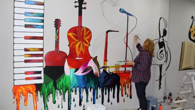 Sanat Akademisi'nin duvarlarında müzik var