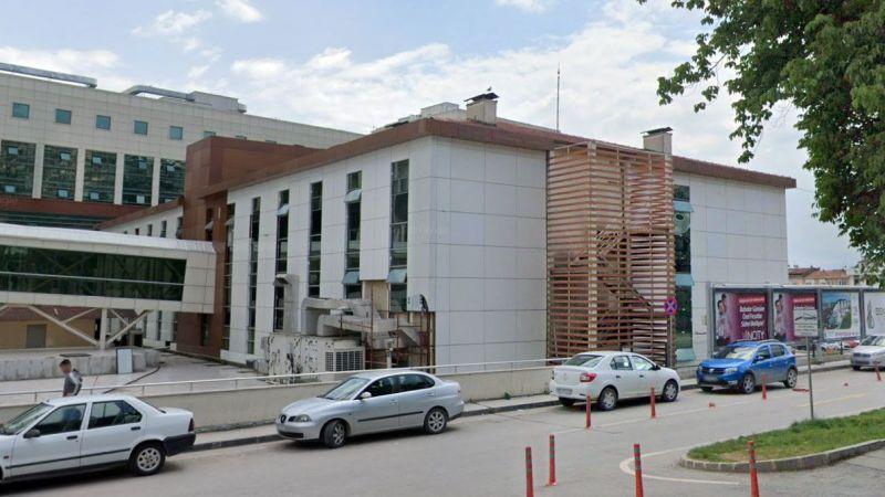 Kocaeli Devlet Hastanesi Onkoloji Hastanesi asansörü arızalı