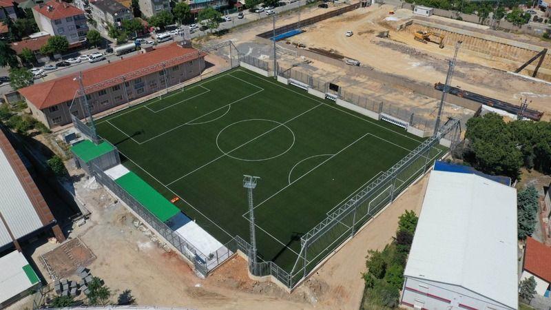 Gebze'nin yeni futbol sahası hizmete açıldı