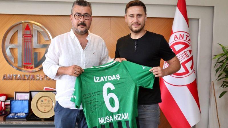 Musa Nizam'dan Antalyaspor'a ziyaret