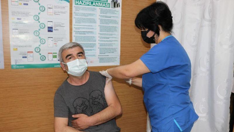 1 milyonuncu korona aşısı Seka Devlet'te yapıldı