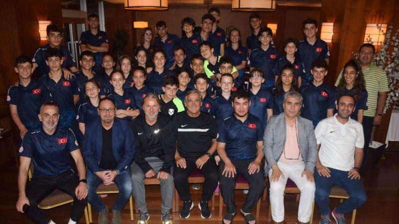 Çulcu ve Kaan Dobra'dan Short Track Milli Takım Kampı'na ziyaret