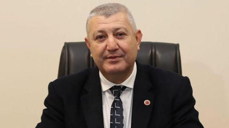 AK Partili meclis üyesi partisinden istifa etti