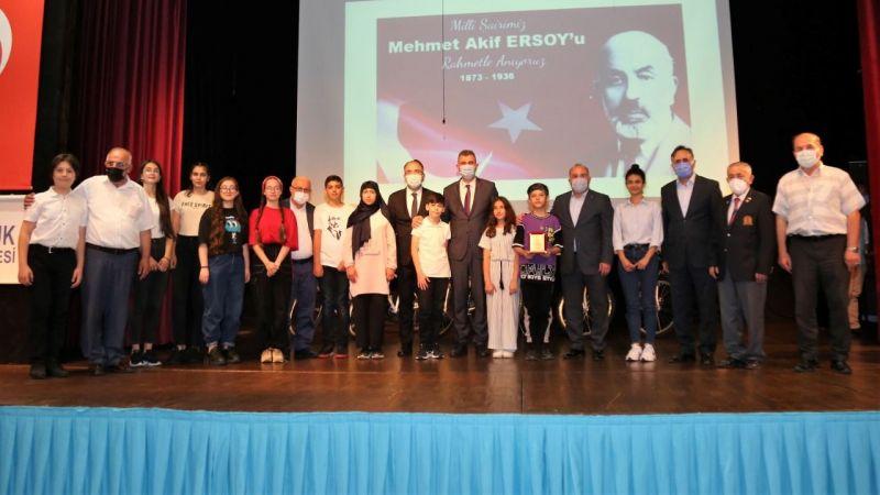 Mehmet Akif'e Mektup Var Yarışmasında ödüller dağıtıldı