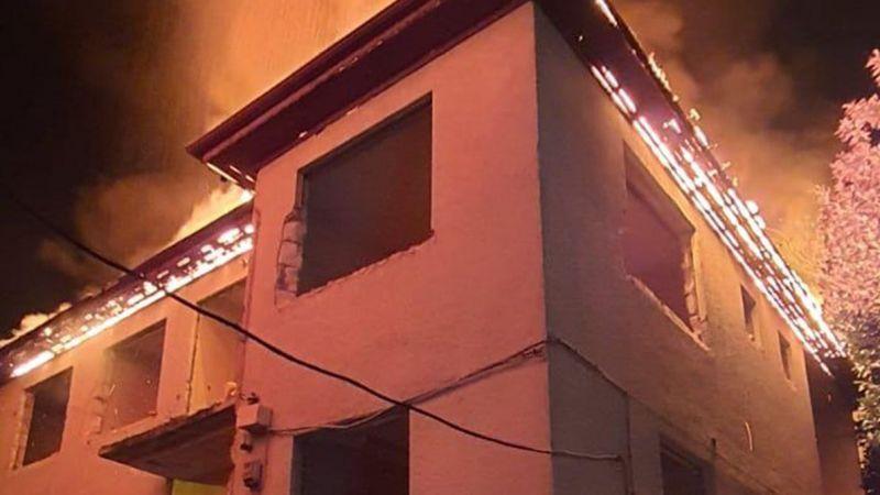İzmit'te çatı yangını korkuttu