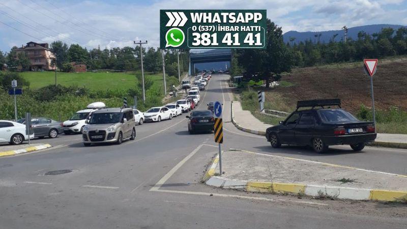 Ormanya'ya girişte trafik bitmek bilmiyor