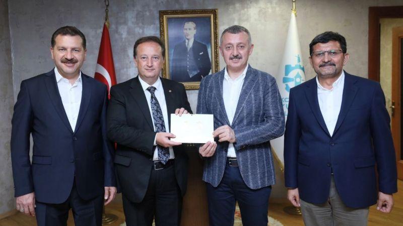 Büyükakın'ı, Kurtdereli Mehmet Pehlivan Güreşleri'ne davet ettiler
