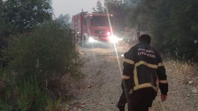 Kocaeli İtfaiyesi yangında mahsur kalan vatandaşları kurtardı