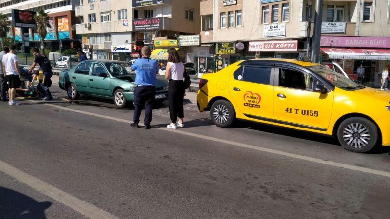 Otomobil taksiye çarptı: 1 yaralı