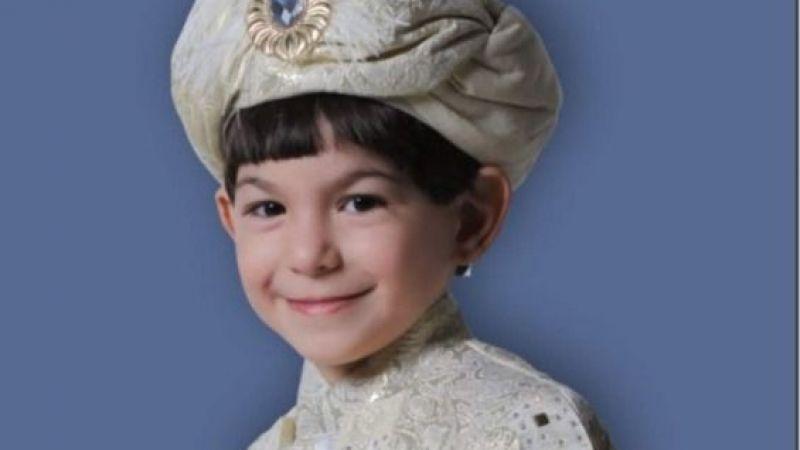 Osman Sınmaz oğlu Muharrem Caner'i sünnet ettiriyor