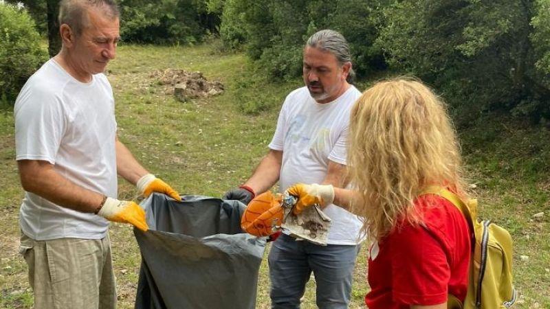 Ormanlık alandan 200 kilo cam atık toplandı