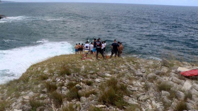 Fotoğraf çektirirken dalgalara kapılan genç kayboldu