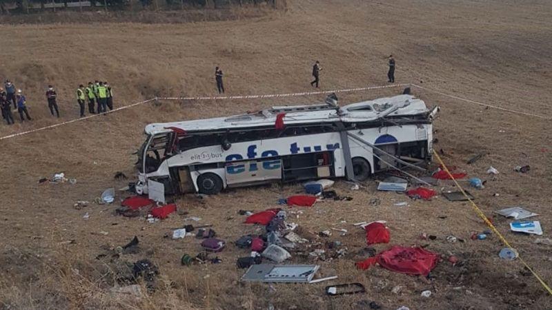 Efe Tur otobüsü devrildi: 15 ölü, 17 yaralı