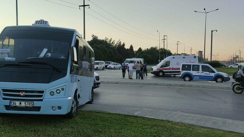 Yolcu minibüsü ile otomobil çarpıştı: 4 yaralı