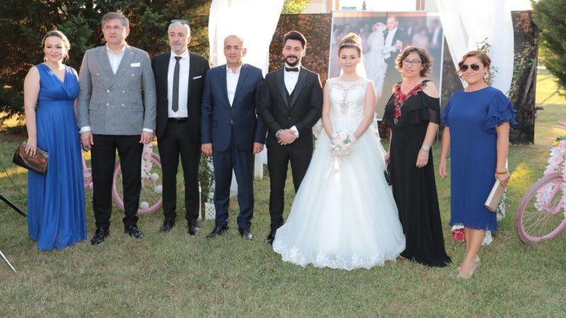 Kayhan Çubuklu kızını evlendirdi