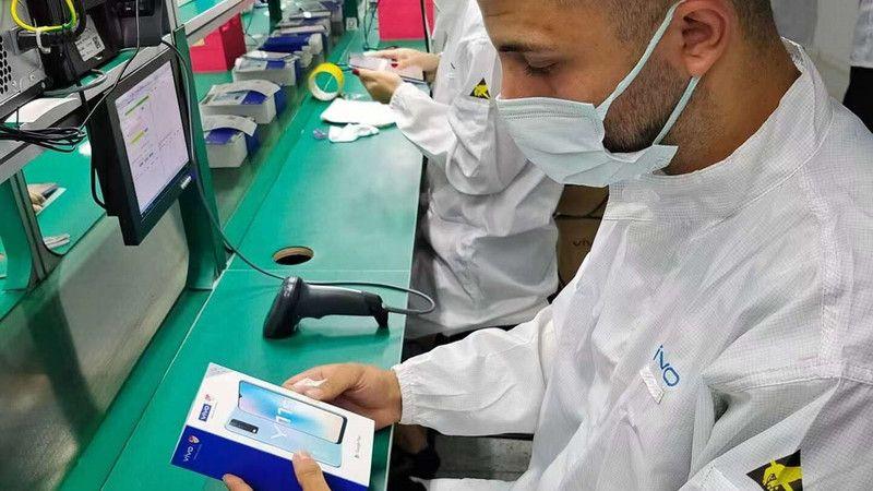 Akıllı telefon devi Kocaeli'de üretime başladı