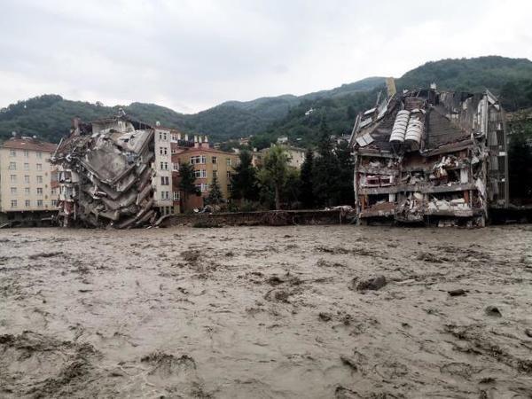 Karadeniz'de sel felaketi! Can kaybı 40'a yükseldi