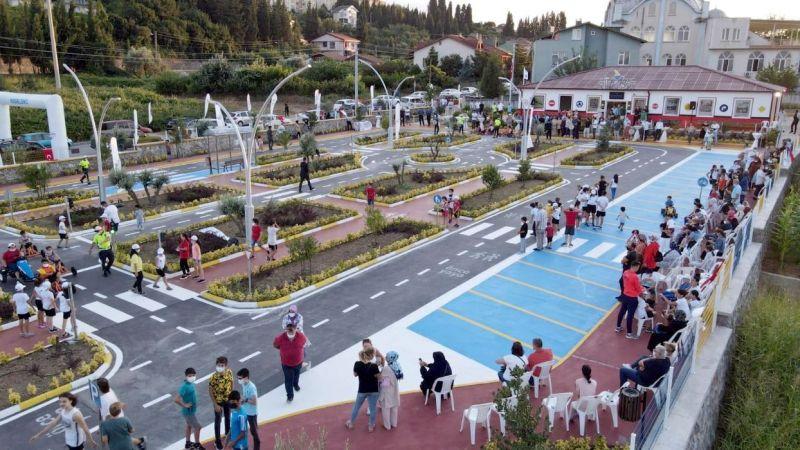Karamürsel'de Çocuk Trafik Eğitim Parkı törenle açıldı