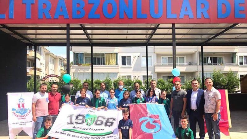 Trabzonlulardan forma hediyesi