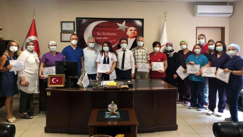 Gölcük Devlet Hastanesi'nde 25 yıllık personele teşekkür