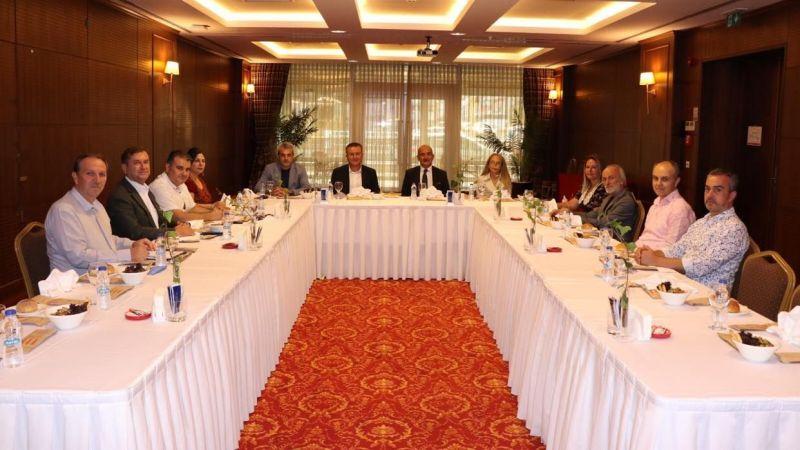 Kent konseyleri İzmit'te buluştu