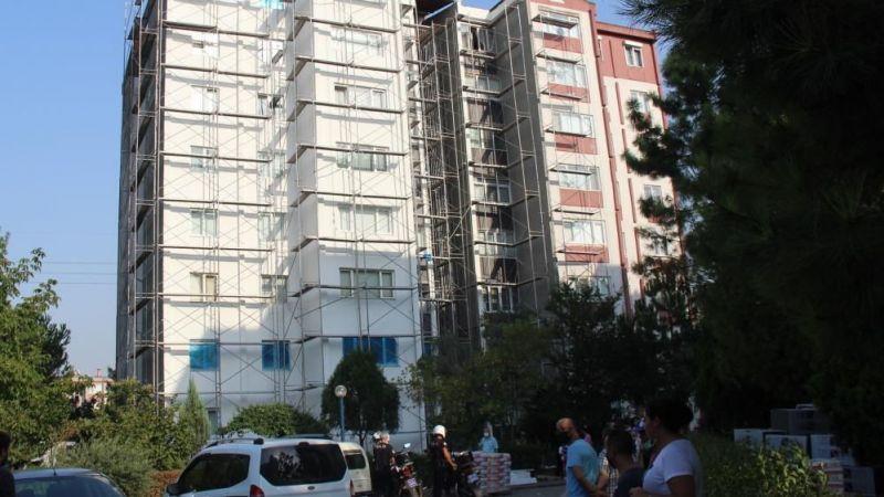 Mantolama işçisi 8. kattaki iskeleden düştü