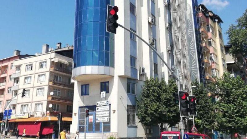 Bu bina böyle boş mu kalacak?
