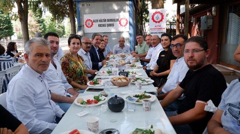 AKD'den kahvaltılı buluşma