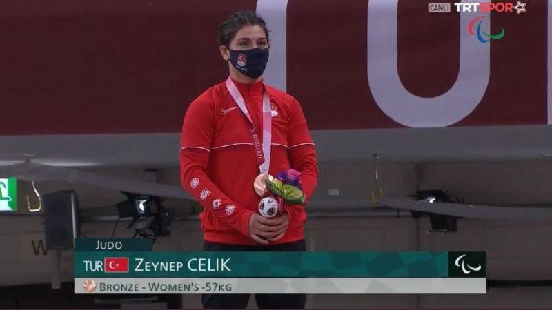 Bir madalya da Zeynep Çelik'ten