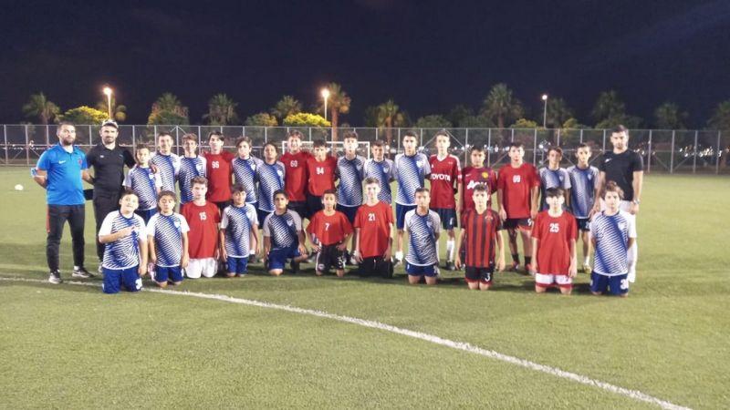 Gölcükspor ile Yeniköy U-15 takımları karşılaştı