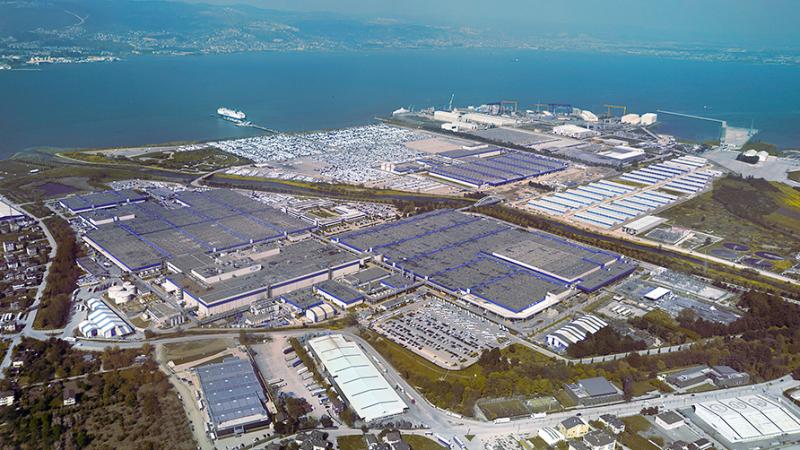 Ford Otosan'ın taşeron işçileri haklarını istiyor