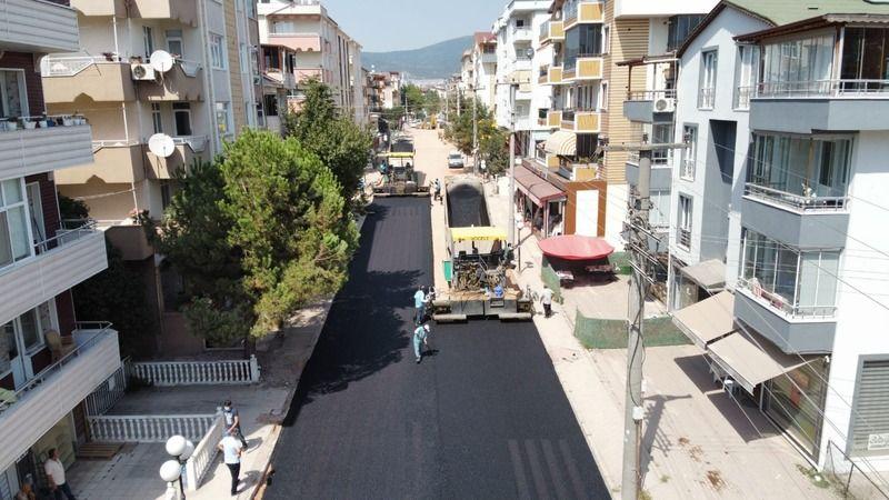 Derince'de altyapısı biten caddelere asfalt