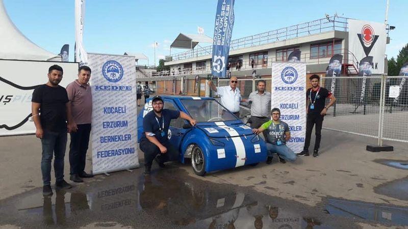Erzurum Dernekler Federasyonu elektrikli araç yarışına katıldı