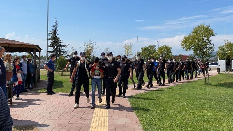 Kınada yakalanan siber dolandırıcılar düğün günü tutuklandı