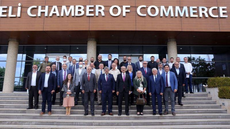 Özel okul yöneticileri Akmanşen ile KOTO'da bir araya geldi