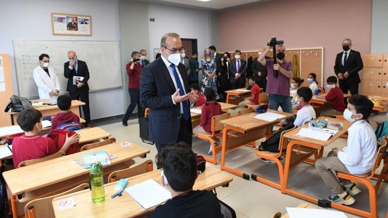 Vali Yavuz okullardaki tedbirleri gezerek gördü