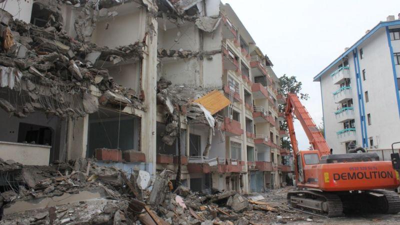 Fuar Apartmanı bir ayda yıkılacak