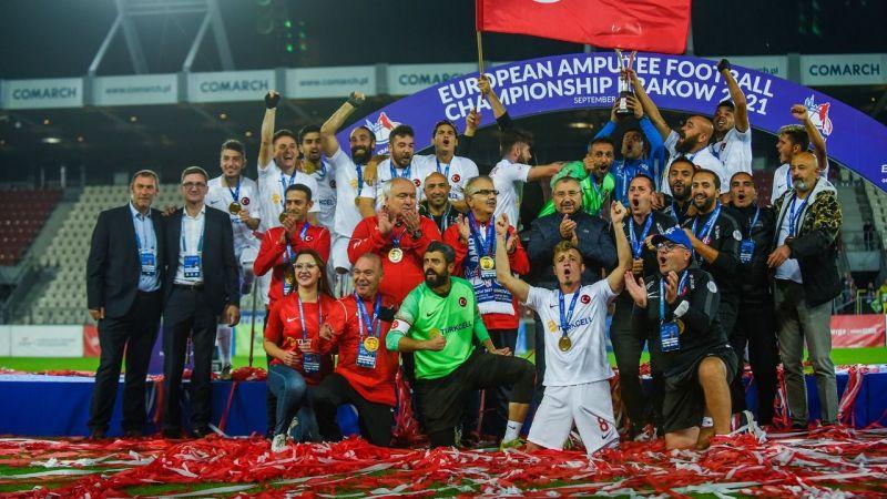 Kocaelispor'dan şampiyonlara kutlama