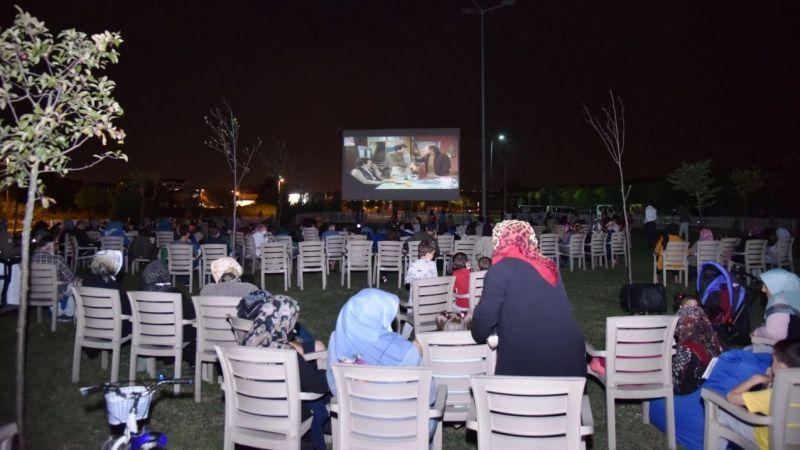 "Kartepe'de yazlık sinema ""Mavi Boncuk""la devam etti"