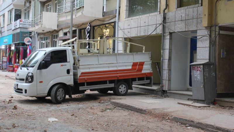 İş Bankası Alemdar Şubesi cadde değiştirdi