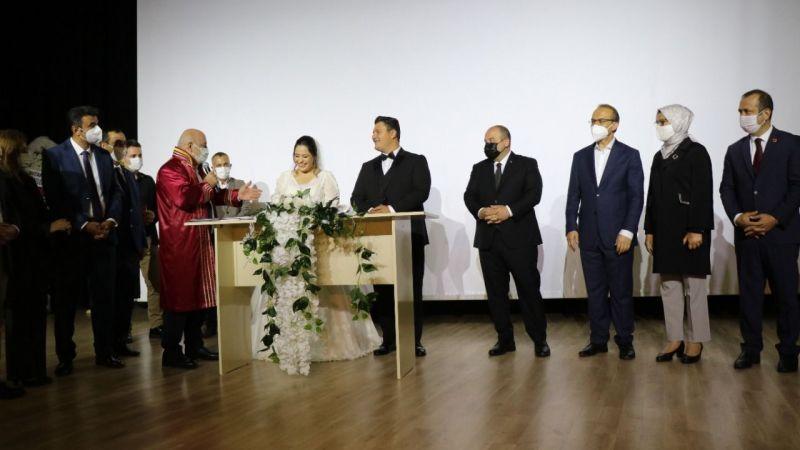 İHA muhabirinin düğününe protokol akını