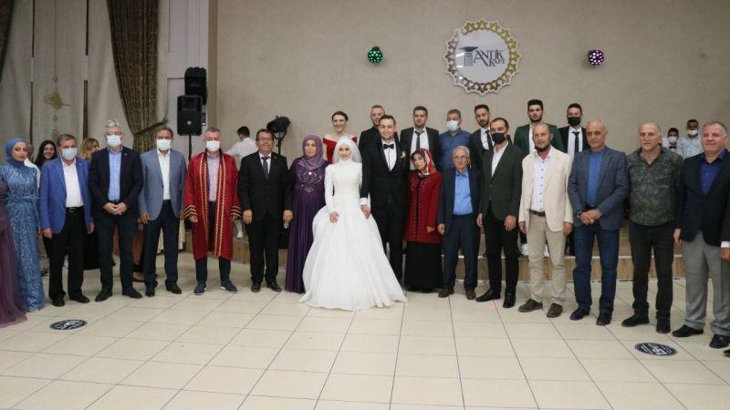 İçöz'ün düğününe siyasetçiler akın etti