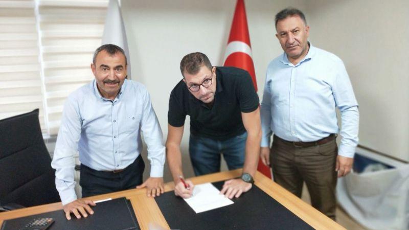 Murat Parlak imzaladı