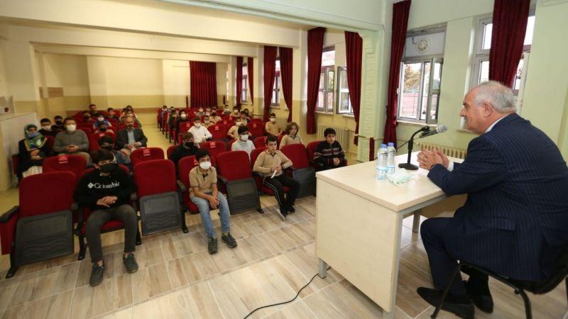 Aygün, öğrencilerle tecrübelerini paylaştı
