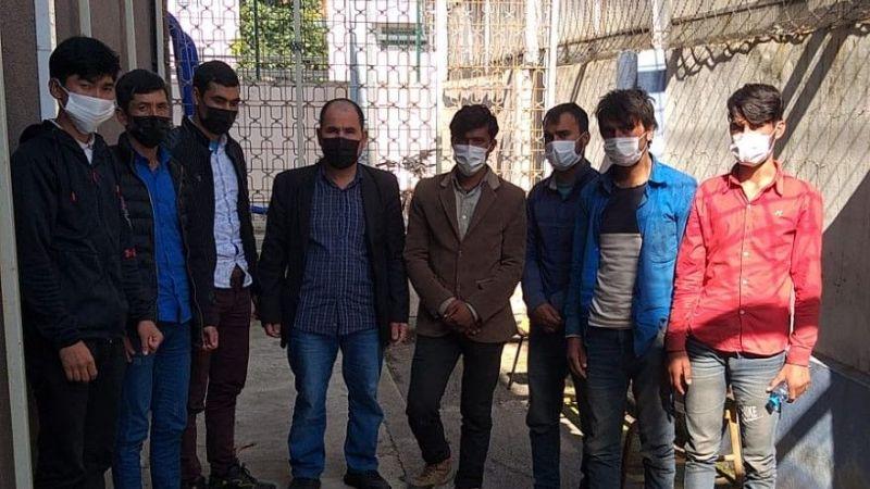 TEM'de durdurulan 2 otomobilde 8 kaçak göçmen yakalandı
