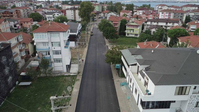 Gölcük Hürriyet Caddesi asfaltlanıyor