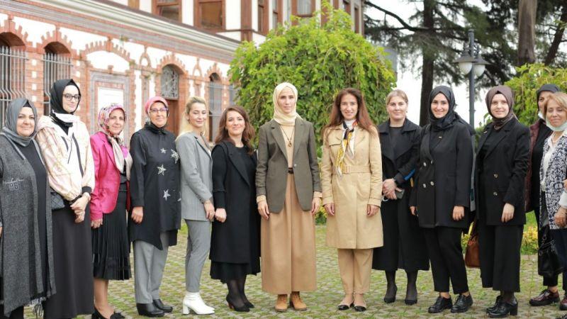 Sümeyye Erdoğan, Marmara Kadınlar Birliği'ni ziyaret etti